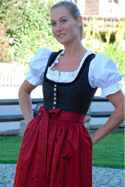 Tiroler Dirndl